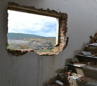 Kosovo-resettlement.jpg